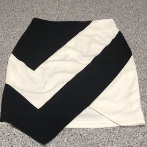 Black and white high waisted pencil skirt w/tags